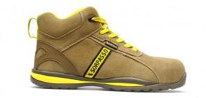 scarpa alta di protezione